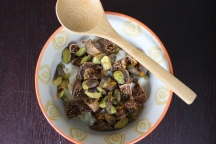 Greek yogurt with figs and pistachios