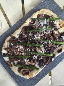 Goat cheese and mushroom tart